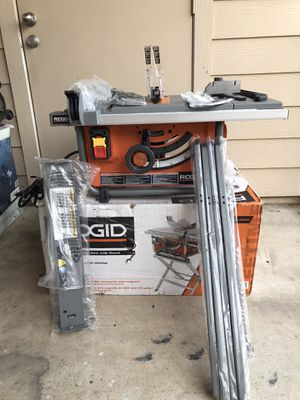 Compact table saw with stand for Sale in Colleyville, TX