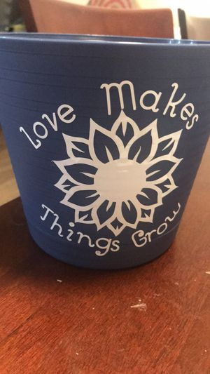Personalized Flower Pots for Sale in Queens, NY