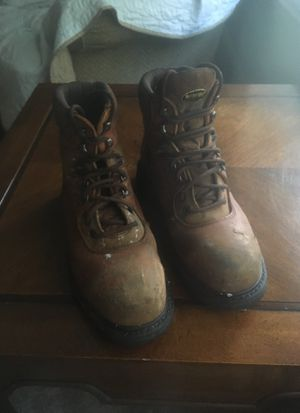Size 9 wolverine work boots for Sale in Medford, NJ