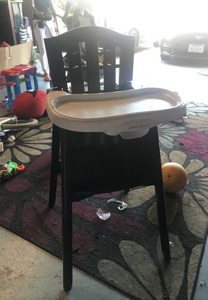 High chair for Sale in Lynwood, CA