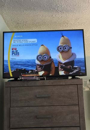 "Hisense 43"" smart tv for Sale in Barberton, OH"