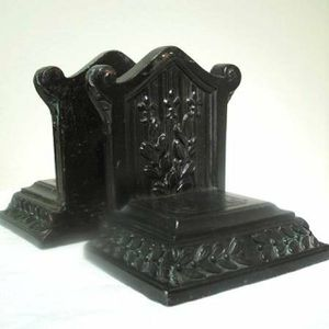 Pair Vintage Ornate French Deco Fleur De Lis Bookends for Sale in Queens, NY