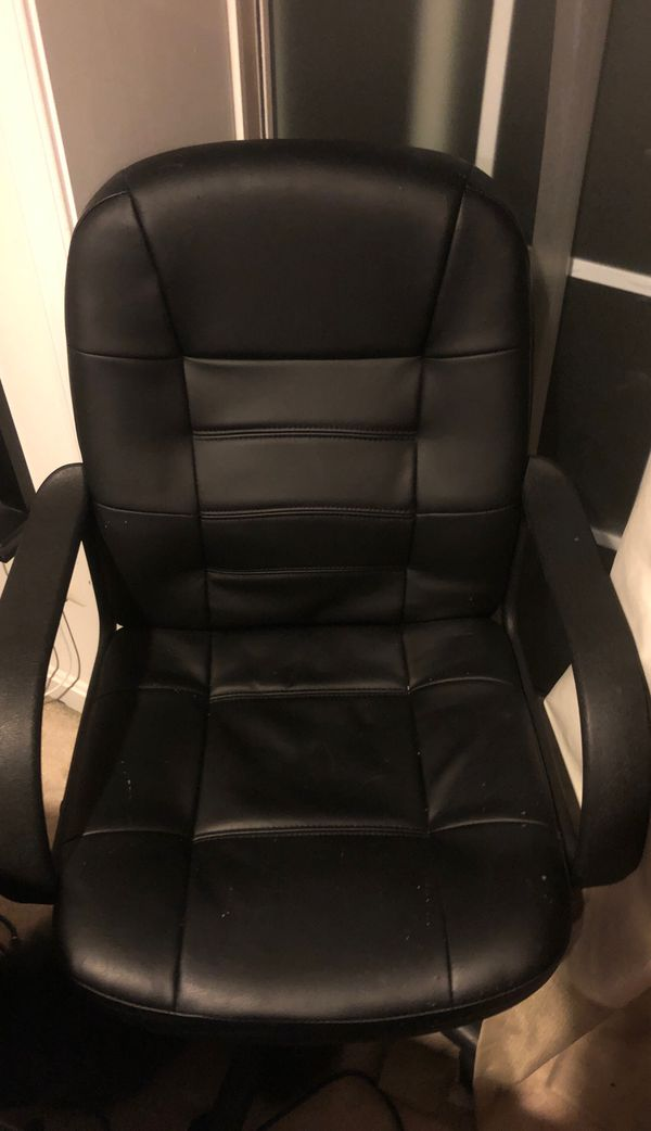 Desk chair in MINT condition!
