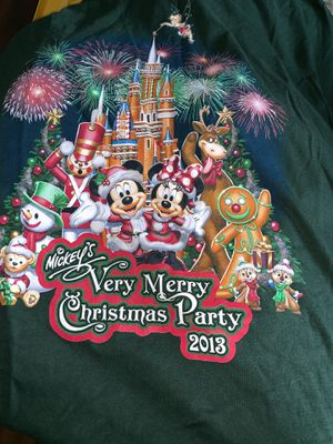 Vintage Disney Mickey Christmas T-shirt Size XL for Sale in Vernon, CA