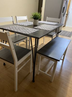 Kitchen table for Sale in Fontana, CA