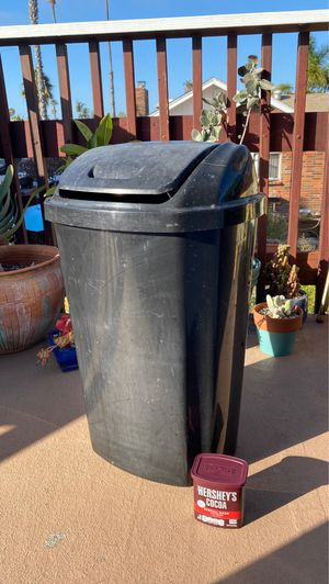 Large black plastic Hefty trash can for Sale in San Diego, CA