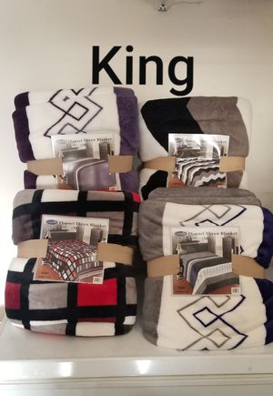 King size Flannel throw blanket for Sale in Riverside, CA