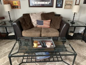 Coffee table and 2 matching end tables for Sale in Charlotte, NC