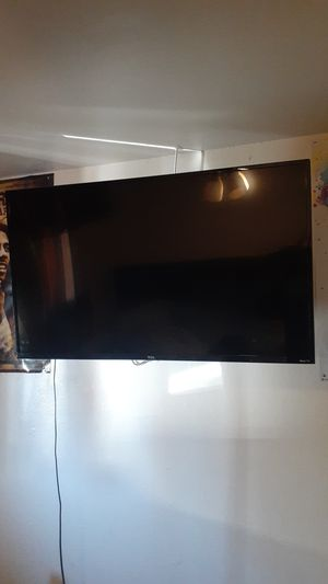 43 Inch 4K HD TCL Roku TV with 360° wall mount & stands for Sale in Escondido, CA
