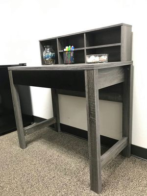Mindy Student Desk, Distressed Grey an Black Color for Sale in Santa Ana, CA