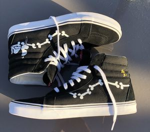 Limited edition snoopy vans size 12 men's for Sale in Morrisville, PA