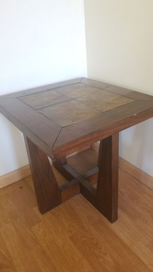 End Table for Sale in Terrebonne, OR