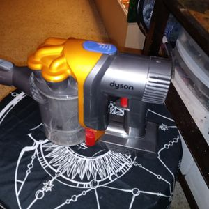 Dyson Hand Held Vacuum for Sale in Orlando, FL
