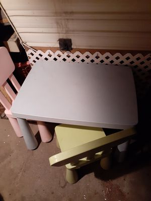 Kids table with 2 chairs for Sale in Torrance, CA