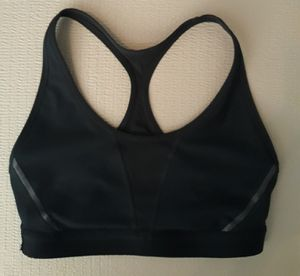 Oakley women's sports bra size medium I'm in fontana message only when ready to pick up for Sale in Fontana, CA