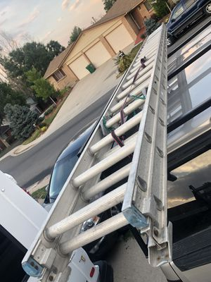 Extensión ladder 40 ft for Sale in Lakewood, CO