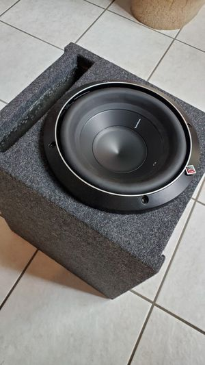 8 inch Subwoofer with box for Sale in Woodbridge, VA