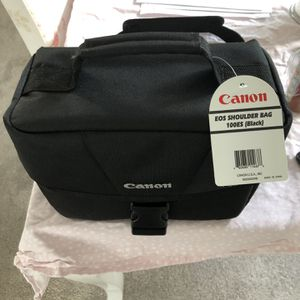 Canon EOS Shoulder Bag 100ES for Sale in Kirkland, WA