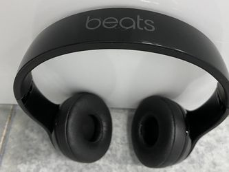Black Solo BEATS Wireless Solo Edition Bluetooth for Sale in Orlando,  FL