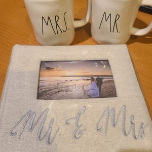 Wedding Photo album & Coffee Mugs for Sale in Chino, CA