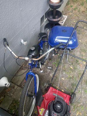 Schwinn motor bike for Sale in Whitehall, OH