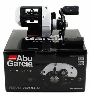 New Abu Garcia Revo Toro S Revot2S51 5:3.1 GR baitcaster baitcast fishing reel left hand for Sale in Litchfield Park, AZ