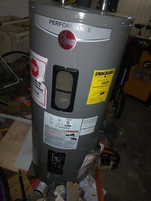 40 gallon rheem electric water heater for Sale in Cleveland, OH