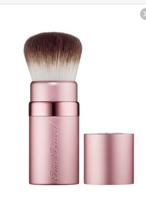 Two Faced Kabuki Makeup Brush for Sale in SOUTH PRINCE GEORGE, VA