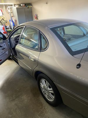 2005 Ford Taurus excellent condition garaged for Sale in Paramount, CA