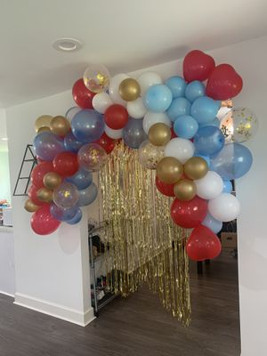 9-10 ft garland red blue and white for 4th of July party decoration balloon garland for Sale in Houston, TX