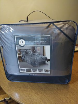 Queen size comforter for Sale in Woodlake, CA
