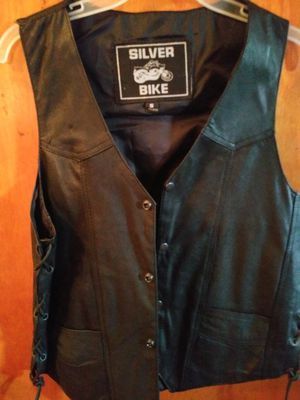 Ladies leather motorcycle vest for Sale in Valley View, OH