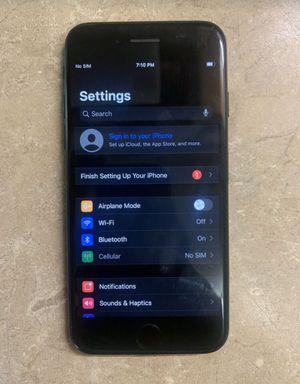 iPhone 7 128gb unlocked for Sale in Hampton, VA