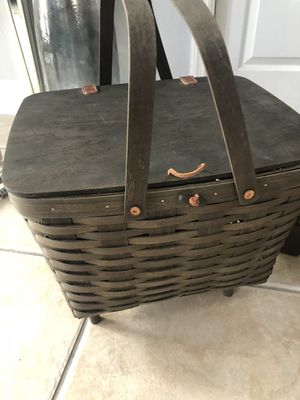 Longaberger USA hand made PICNIC BASKET for Sale in Orlando, FL
