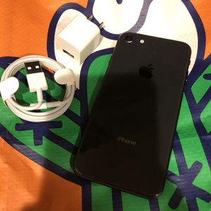 64Gb Black iPhone 8 - Factory Unlocked. for Sale in Brooklyn, NY