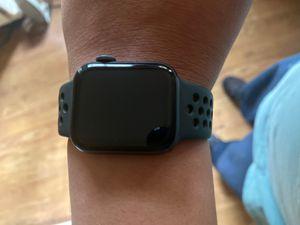 Apple Watch series 5 Nike 40mm for Sale in Vienna, VA