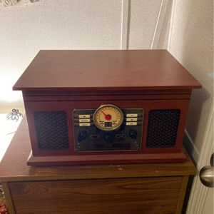 Vintage Style Cynic Record Player/Cd Player/ Bluetooth Speaker for Sale in Layton, UT