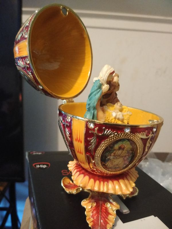 Faberg'e egg