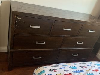 Two Night Stands And Dresser for Sale in Fountain Valley,  CA