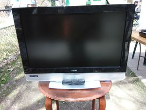 Vizio 32 inch LCD TV with remote control and 2 HDMI ports for Sale in Washington, DC