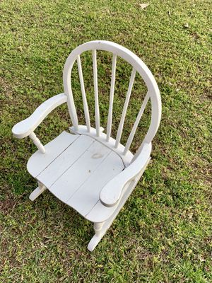 White Wood Toddler Rocking Chair / Perfect for Photos / Needs small repairs / Wooden Rocker for Kids for Sale in Angier, NC