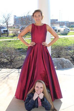 prom dress size 4 for Sale in Murfreesboro, TN