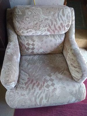 Swivel RV chair, upholstered for Sale in Tahuya, WA