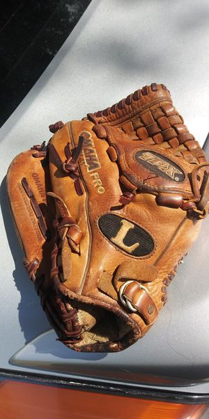Omaha pro tpx left handed baseball glove for Sale in Hialeah, FL