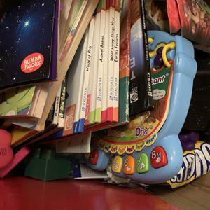 Free Kids Books & Toys for Sale in Las Vegas, NV