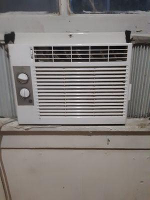 Ac window unit like new for Sale in Summerfield, FL