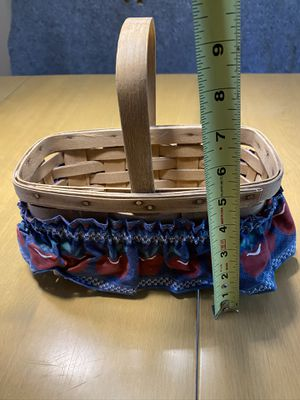 Small longaberger basket for Sale in Fairview Park, OH