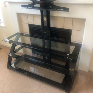 Tv Stand/ Wall Mount for Sale in Itasca, IL