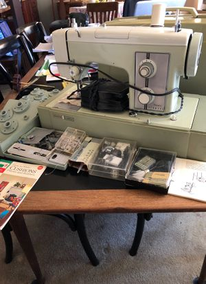 SEWING MACHINE, Kenmore 1751 for Sale in Los Angeles, CA