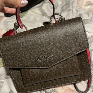 Guess Crossbody Purse for Sale in Las Vegas, NV